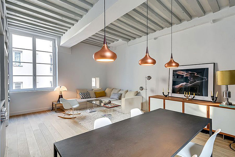 decoracao de apartamentos pequenos e charmosos : decoracao de apartamentos pequenos e charmosos:Os pendentes de cobre acima da mesa de jantar são super charmosos.