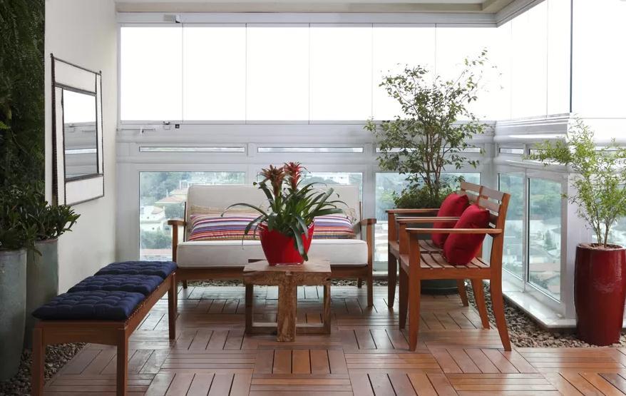 decoracao de interiores mogi das cruzes:da paisagista Juliana Freitas, com jardim vertical feito com blocos de