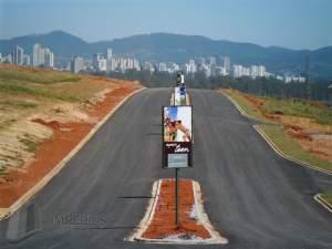 mosaico essence terreno Cesar de Souza