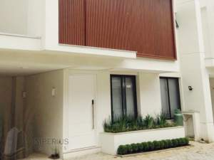 frente casa Camburi