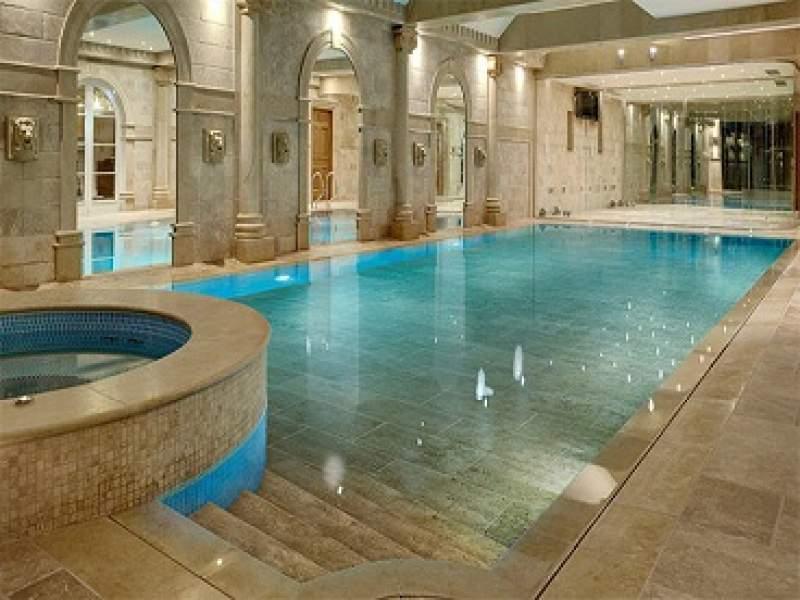 construção incríveis piscinas escondidas