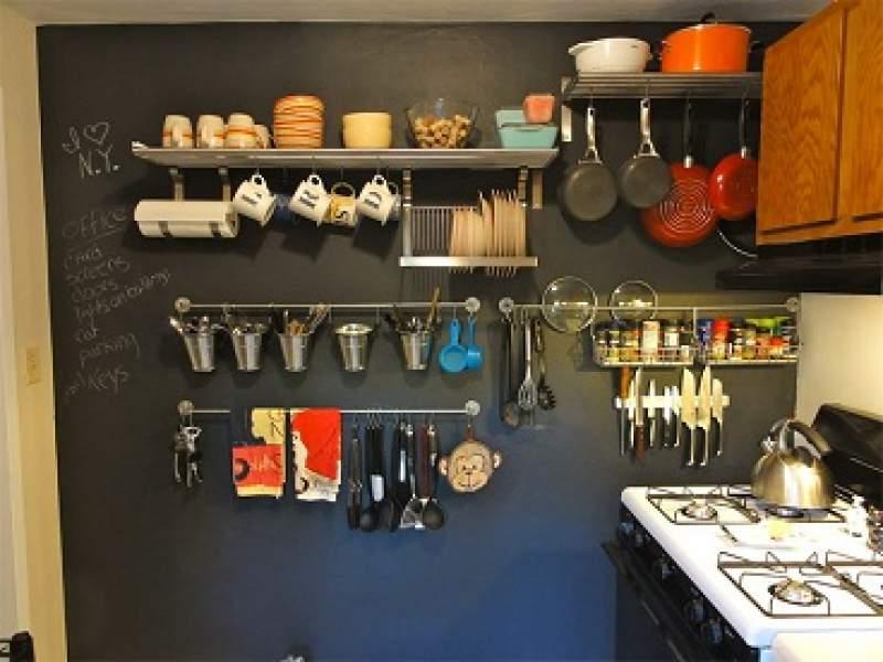 cozinhas utensílios de cozinha na parede