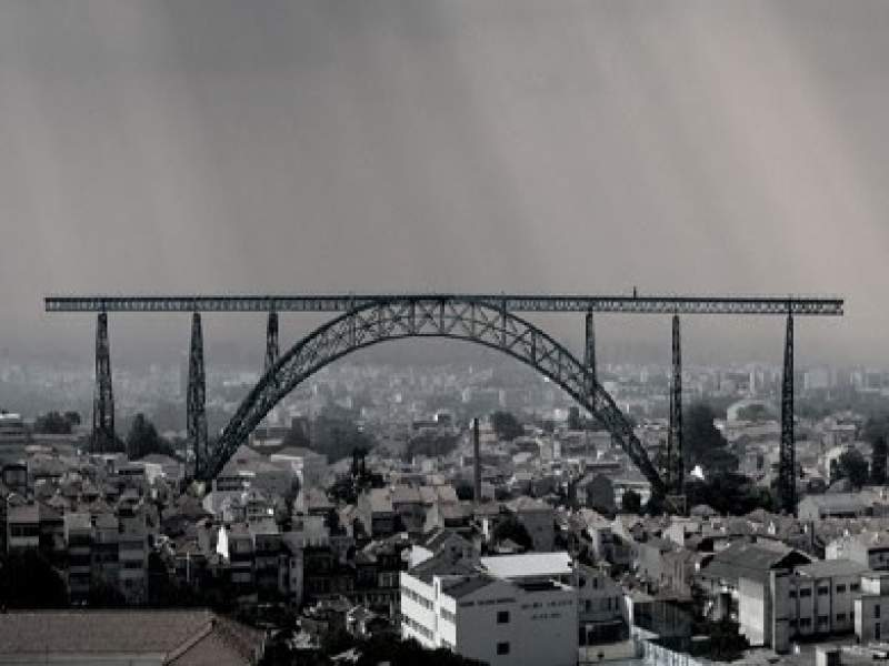 urbanimo uma ponte para ligar nada a lugar algum
