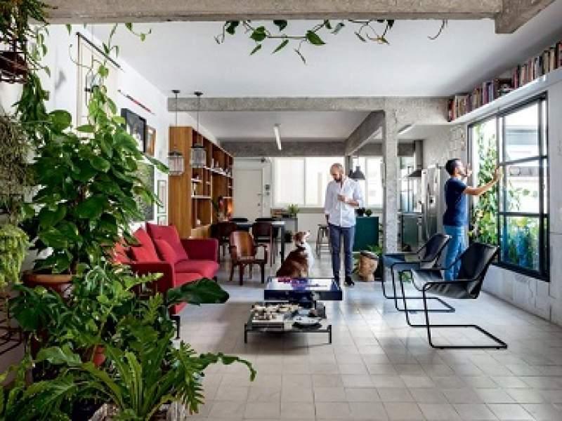 decoração reforma de baixo custo traz estilo brutalista para apartamento